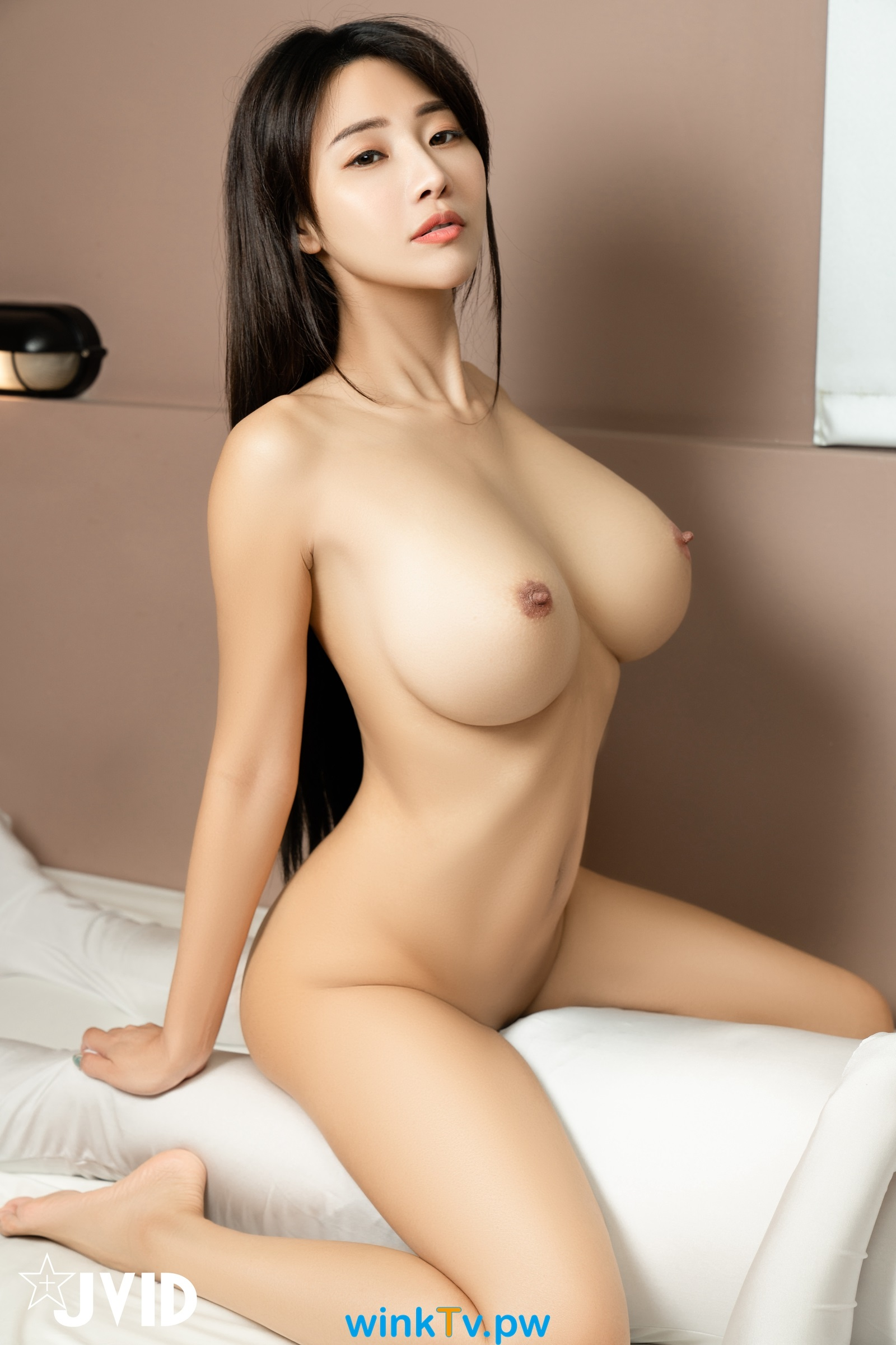 http://av-katfile.com/IMG/am21090601.jpg